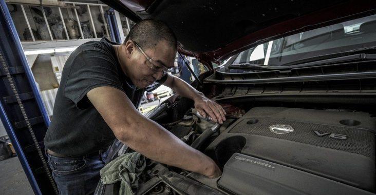 Slarva inte med bilservicen